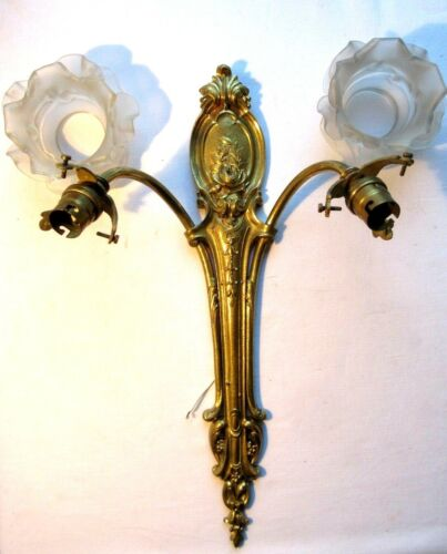 SUPERB Double wall lamp bronze Louis XVI style + 2 Roses in glass, Napoleon III