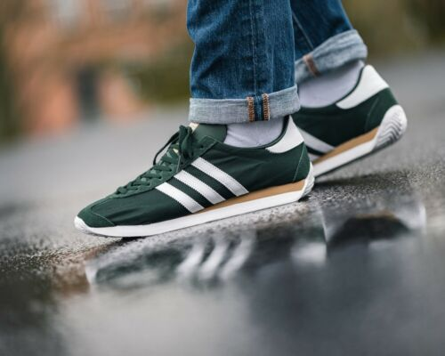 BNWB & Genuine adidas originals ® Country OG Trainers in Green & White UK Size 8