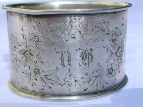 ANTIQUE GERMAN 750 CONTINENTAL SILVER NAPKIN RING
