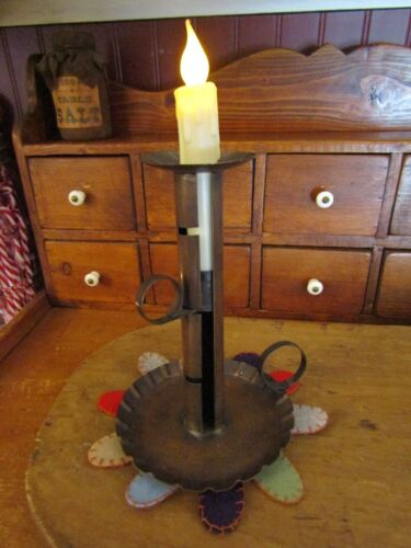 COPPER CHAMBERSTTICK WITH ADJUSTABLE CANDLE LEVER-LARGE FLUTED PAN/CANDLE