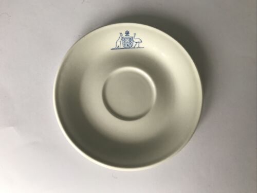 OLD AUSTRALIAN MILITARY FORCES DINNERWARE, SAUCER, COLLECTIBLES. 1975. Free PostOther Eras, Wars - 135