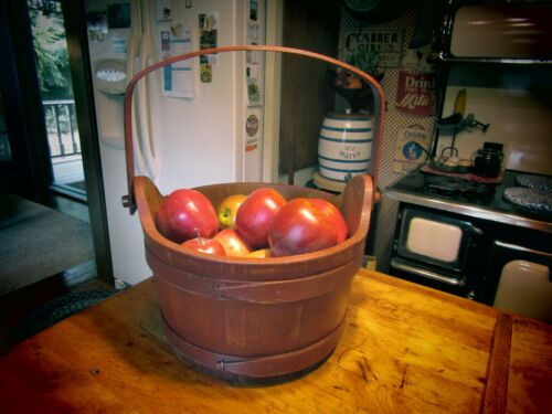 VINTAGE PRIMITIVE WOODEN FIRKIN BUCKET WITH BENTWOOD BANDS FROM VERMONT