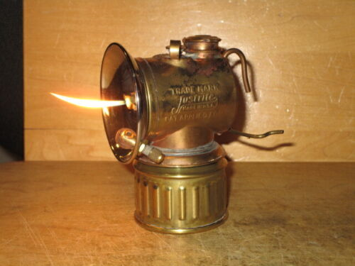 """Miners JUSTRITE """"PAT.APPLIED FOR""""  CARBIDE LAMP- EXCELLENT!!  - Working!"""