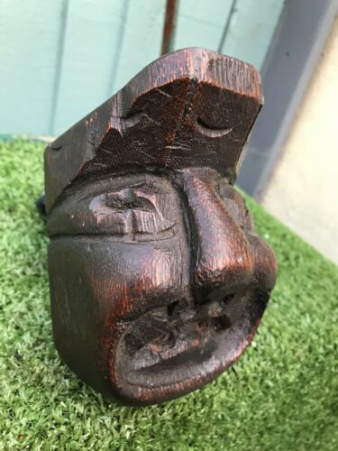 SUPERB 16thC GOTHIC WOODEN OAK CARVED GROTESQUE MALE HEAD CORBEL c1590s <br/> RELIEF CARVED ARCHITECTURAL CORBEL OF A GROTESQUE HEAD