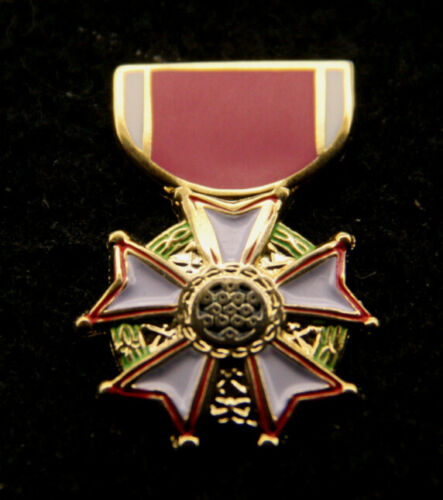 GENUINE LEGION OF MERIT MEDAL LAPEL HAT PIN UP US ARMY NAVY MARINE AIR FORCE Other Militaria (Date Unknown) - 66534