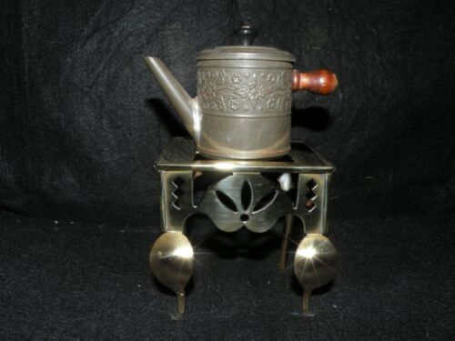 ANTIQUE BRASS MINIATURE TRIVET FOOTMAN & TIN TEA KETTLE