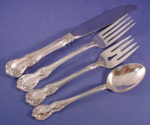 OLD MASTER by TOWLE 4PC STERLING PLACE SETTING(S) Modern
