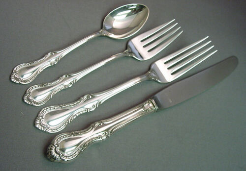 SOUTHERN COLONIAL-FINE ARTS/INTERNATIONAL 4 PIECE STERLING LUNCHPLACE SETTING(S)