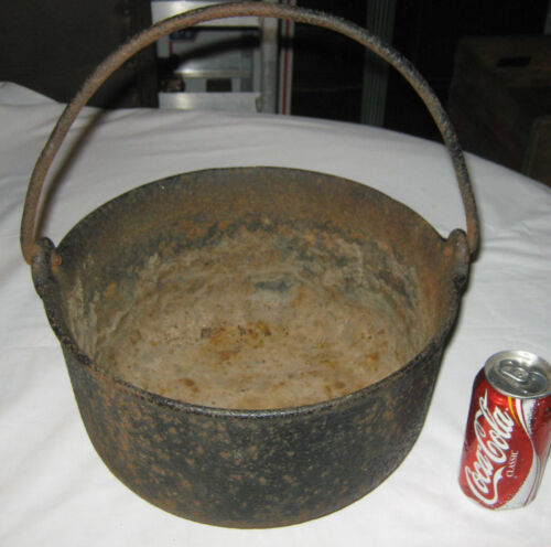 ANTIQUE PRIMITIVE STOVE FIRE HEARTH CAST IRON COOKING KETTLE POT PAN ART PLANTER