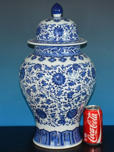 MAGNIFICENT ANTIQUE CHINESE BLUE AND WHITE PORCELAIN VASE MARKED QIANLONG A7962