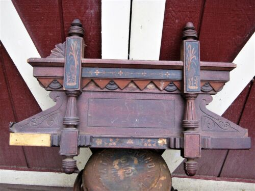 ANTIQUE EASTLAKE ARCHITECTURAL USA WOOD PEDIMENT SALVAGE ART BIRD FINEAL POST NY