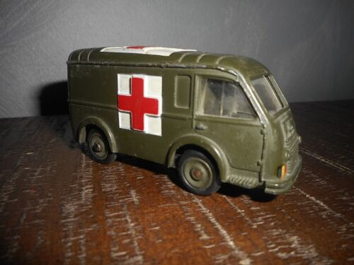 VOITURE AMBULANCE MILITAIRE DINKY TOYS 80F MECCANO N°3