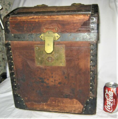 RARE SIZE ANTIQUE 1800's AMERICAN COUNTRY PRIMITIVE WOOD STEAMER HALF TRUNK USA