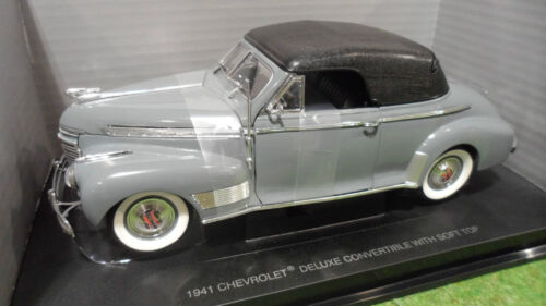 CHEVROLET DELUXE Wth Soft Top 1941 1/18 UNIVERSAL HOBBIES 3550 voiture cabriolet