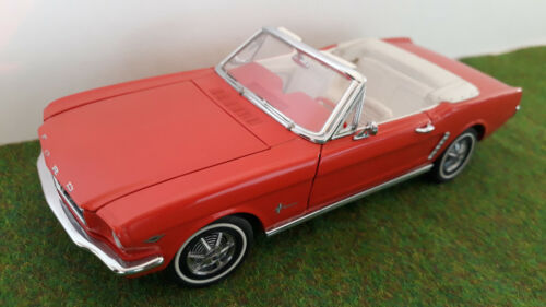 FORD MUSTANG 1964 1/2 cabriolet 1/24  FRANKLIN MINT voiture miniature collection