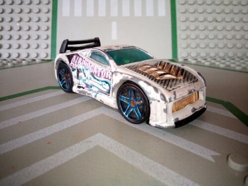 Voiture albinogator hot wheels mattel blanc 2003
