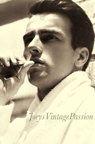 """1940's Handsome Montgomery CLIFT Smoking Gay Interest 4""""x6"""" Reprint Photo G32"""