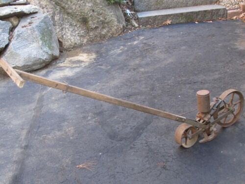 "Vintage Planet Jr/ Jiffy  Seeder  ""working condition"""
