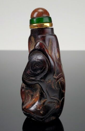 ANTIQUE CHINESE CARVED HORN SNUFF BOTTLE