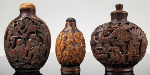 GROUP OF CHINESE ANTIQUE CARVED WOOD SNUFF BOTTLES & 18 LUOHAN WALNUT BOTTLE