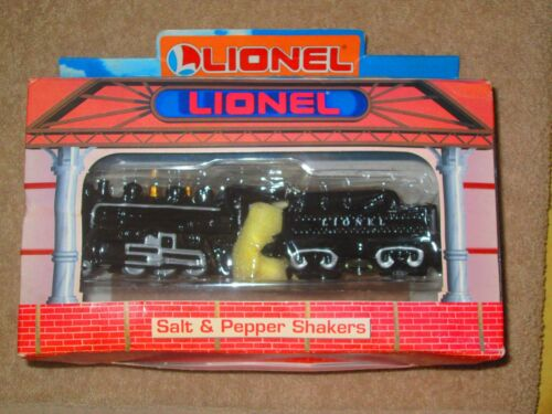 ENESCO LIONEL 733 HUDSON STEAM LOCOMOTIVE SALT AND PEPPER SHAKERS NEW IN BOX