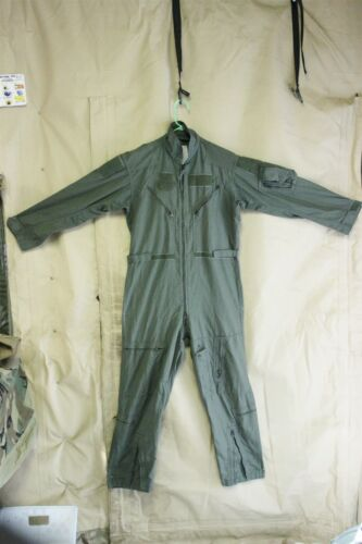FLYERS FLIGHT SUIT OLIVE CWU-27/P LOTS OF POCKETS ZIPPERS VELCROW 40 R LIGHT USE
