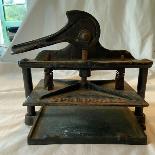 """Small Antique Vintage Speedball Cast Iron Book Press 8"""" by 6"""" Base Works!"""