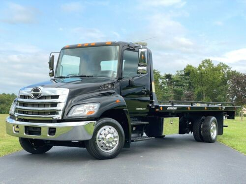 2013 HINO 258 DIESEL 1-OWNER 2-CAR TOW TRUCK ROLLBACK ONLY 46K MILES BUY IT NOW <br/> TOW TRUCK CARRIER FLATBED ROLLBACK 46K MILES WOW HINO