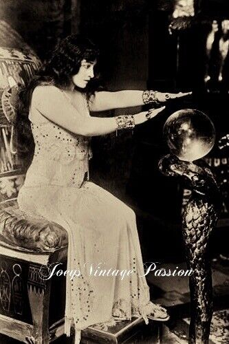"""1920's Gypsy Fortune Teller Crystal Ball Psychic Reading 4""""x6"""" Reprint Photo"""